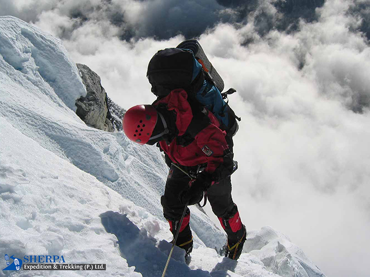 Ama Dablam Expedition 6,812m/22,349ft