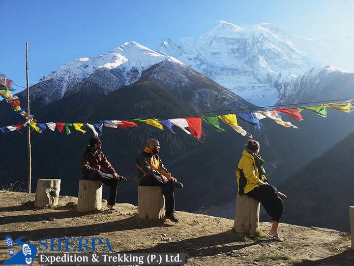 Annapurna Circuit Service Trek